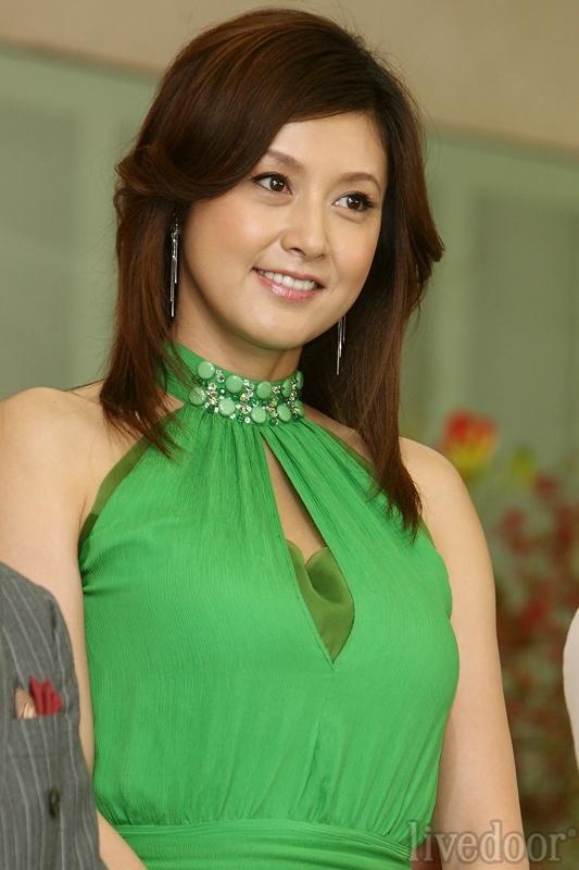 緑のドレスの藤原紀香